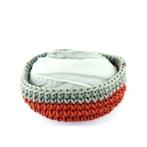 Knitted Cat Basket Grey&Red